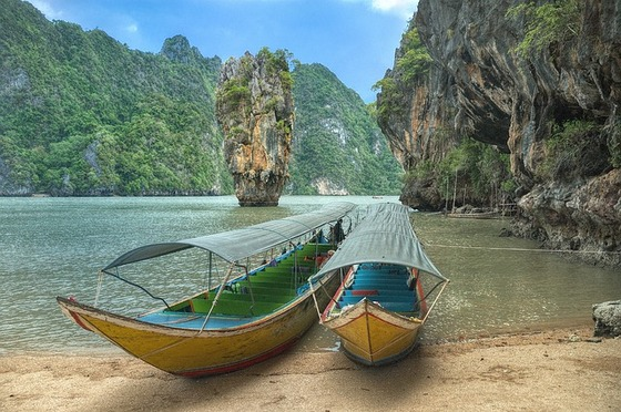 Passenger boats in Thailand